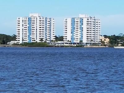 Daytona Beach Condo/Townhouse For Sale: 935 N Halifax Avenue #206