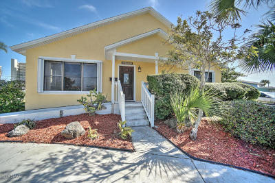 Daytona Beach, Daytona Beach Shores Single Family Home For Sale: 3401 S Peninsula Drive