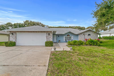 New Smyrna Beach Single Family Home For Sale: 820 E 21st Avenue
