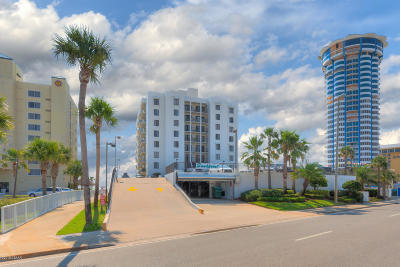 Daytona Beach Condo/Townhouse For Sale: 2615 S Atlantic Avenue #3B