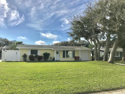 New Smyrna Beach Single Family Home For Sale: 815 E 17th Avenue