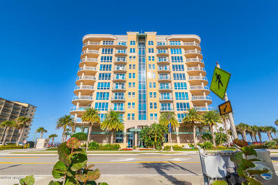 Daytona Beach Condo/Townhouse For Sale: 3703 S Atlantic Avenue #706