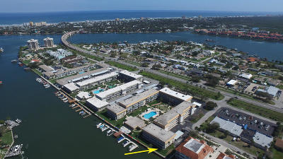 New Smyrna Beach Condo/Townhouse For Sale: 315 N Causeway #E-101