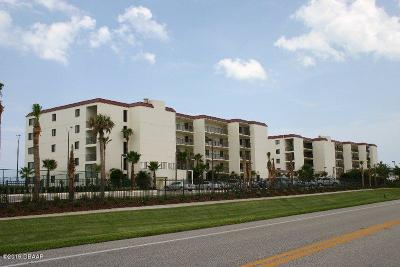 New Smyrna Beach Condo/Townhouse For Sale: 6713 Turtlemound Road #111