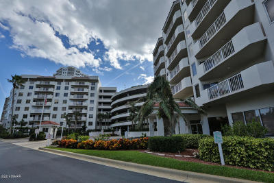 Daytona Beach Shores Condo/Townhouse For Sale: 3 Oceans West Boulevard #3C3