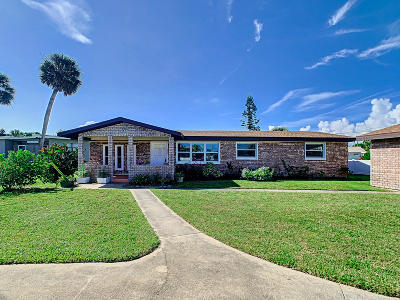 Daytona Beach Single Family Home For Sale: 216 Bonner Avenue