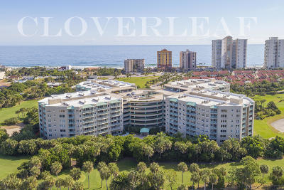 Daytona Beach Condo/Townhouse For Sale: 4 Oceans West Boulevard #304D