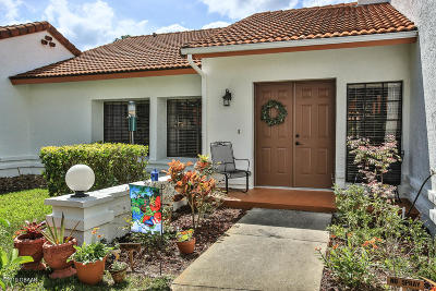 Daytona Beach Attached For Sale: 129 Oyster Catcher Court