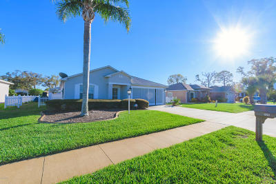 Edgewater Single Family Home For Sale: 325 Mariners Gate Drive