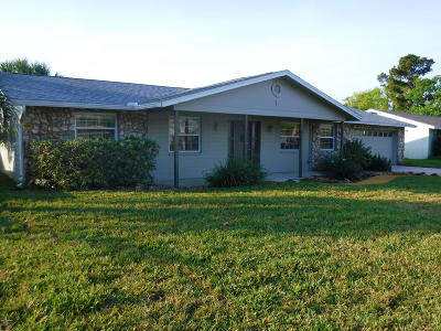 South Daytona Single Family Home For Sale: 821 Hamlin Drive