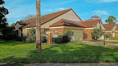 Daytona Beach Attached For Sale: 144 Bermuda Petrel Court