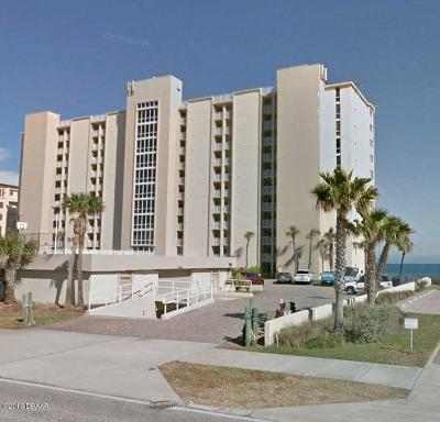Daytona Beach Condo/Townhouse For Sale: 3815 S Atlantic Avenue #306