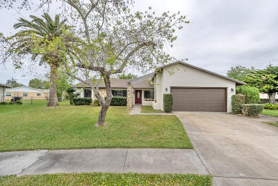 Daytona Beach Single Family Home For Sale: 170 Centennial Lane