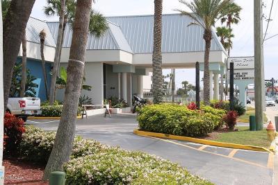 Daytona Beach Condo/Townhouse For Sale: 935 S Atlantic Avenue #206