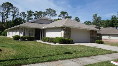 Daytona Beach Single Family Home For Sale: 209 Glenbriar Circle