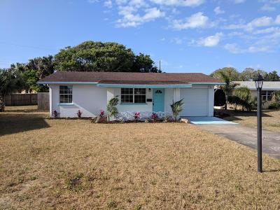 Single Family Home For Sale: 46 Palm Drive