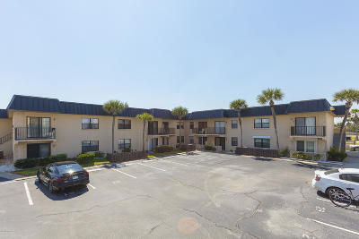 Daytona Beach Condo/Townhouse For Sale: 2101 N Atlantic Avenue #24