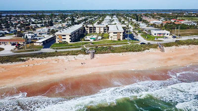 Ormond Beach Condo/Townhouse For Sale: 2100 N Ocean Shore Boulevard #109