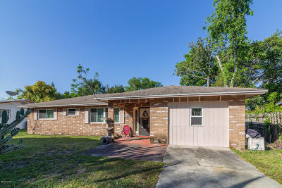 Volusia County Single Family Home For Sale: 312 Dixie Drive