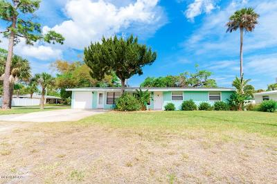 New Smyrna Beach Single Family Home For Sale: 300 Ocean Avenue
