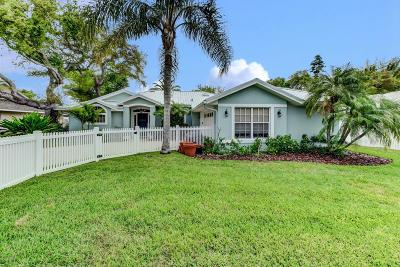 New Smyrna Beach Single Family Home For Sale: 835 Evergreen Street