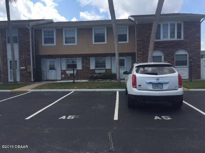 South Daytona Condo/Townhouse For Sale: 2200 S Palmetto Avenue #A050