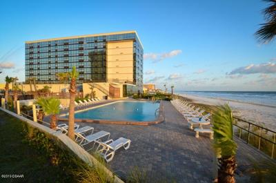 Daytona Beach Shores Condo/Townhouse For Sale: 1909 S Atlantic Avenue #205 & 20