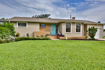 Daytona Beach Single Family Home For Sale: 7 Granville Circle