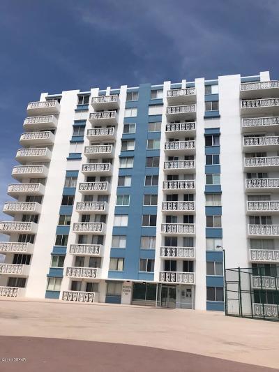 Daytona Beach Condo/Townhouse For Sale: 935 N Halifax Avenue #501