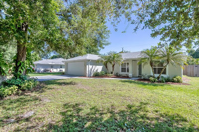 Edgewater Single Family Home For Sale: 1509 Sabal Palm Drive