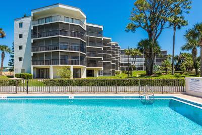 Daytona Beach Condo/Townhouse For Sale: 944 S Peninsula Drive #402