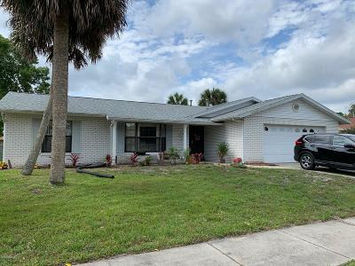 Daytona Beach Single Family Home For Sale: 304 N Paul Revere Drive