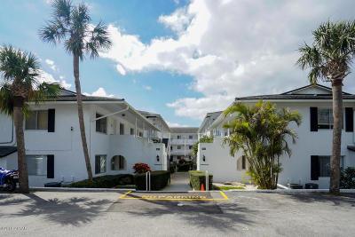 Daytona Beach Condo/Townhouse For Sale: 405 N Halifax Avenue #2080
