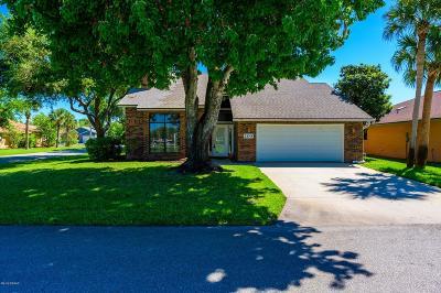 Daytona Beach Single Family Home For Sale: 100 Waterthrush Court