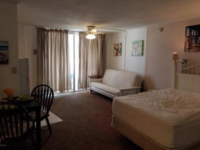 Daytona Beach Condo/Townhouse For Sale: 1233 S Atlantic Avenue #5210