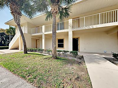 Holly Hill Condo/Townhouse For Sale: 940 15th Street #102