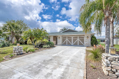 Palm Harbor Single Family Home For Sale: 4 S Claridge Court
