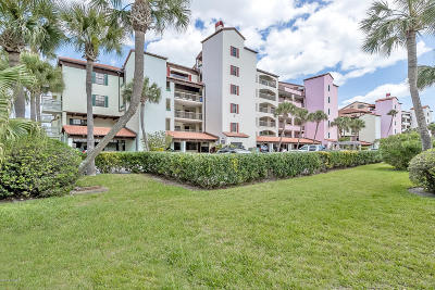 Daytona Beach Condo/Townhouse For Sale: 633 Marina Point Drive #6330