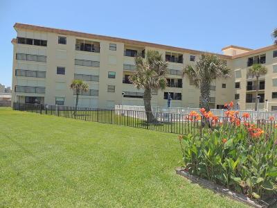 Ormond Beach Condo/Townhouse For Sale: 2290 Ocean Shore Boulevard #5030