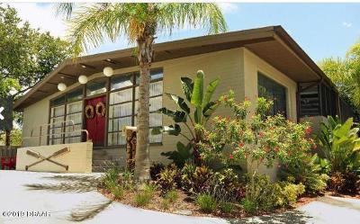 Daytona Beach Single Family Home For Sale: 9 Fountainebleau Circle