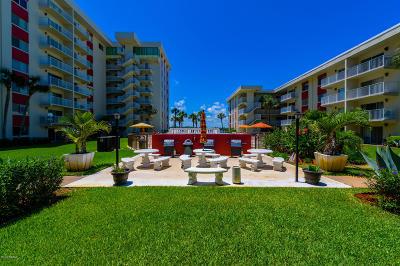 Daytona Beach Condo/Townhouse For Sale: 2711 N Halifax Avenue #163