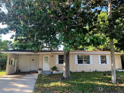 South Daytona Single Family Home For Sale: 374 Linda Circle