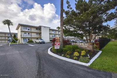 Volusia County Condo/Townhouse For Sale: 721 S Beach Street #106A