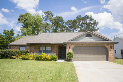 Palm Coast Single Family Home For Sale: 3 Windermere Place
