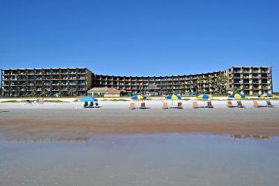 Daytona Beach Shores Condo/Townhouse For Sale: 2301 S Atlantic Avenue #404