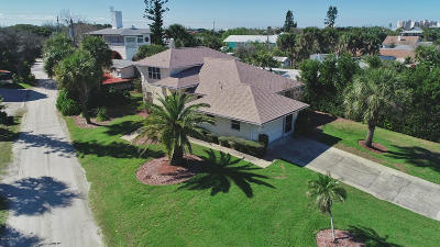 New Smyrna Beach Single Family Home For Sale: 304 Tide Street