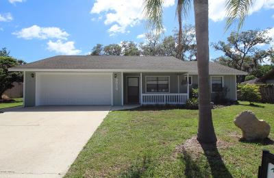 Edgewater Single Family Home For Sale: 2512 Pine Tree Drive