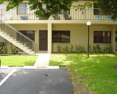 South Daytona Condo/Townhouse For Sale: 1601 Big Tree Road #302