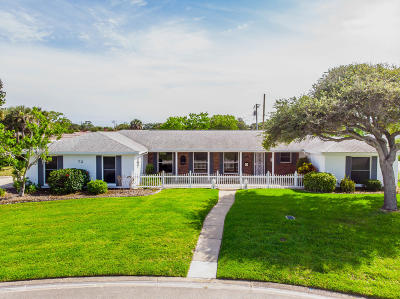 Ormond Beach Single Family Home For Sale: 72 Fairway Drive