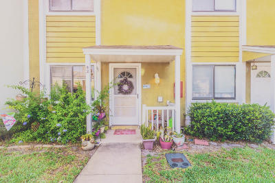South Daytona Condo/Townhouse For Sale: 480 Reed Canal Road #42